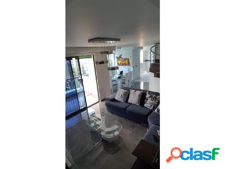 Vendo espectacular apartamento duplex con doble garaje. 157m2.