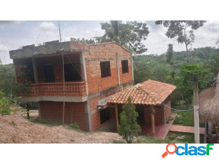 Hermosa casa finca con 10 hectáreas kilómetro 35 vía planeta rica