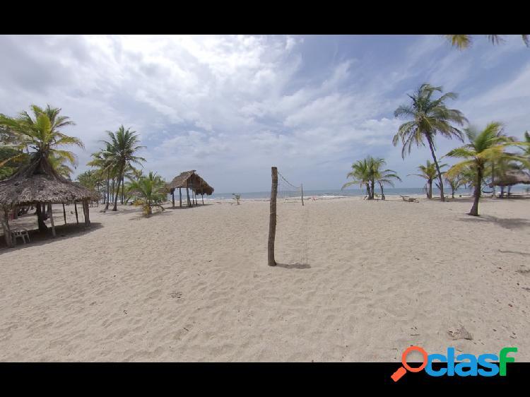 Se vende lote con frente de playa en mendihuaca, santa marta