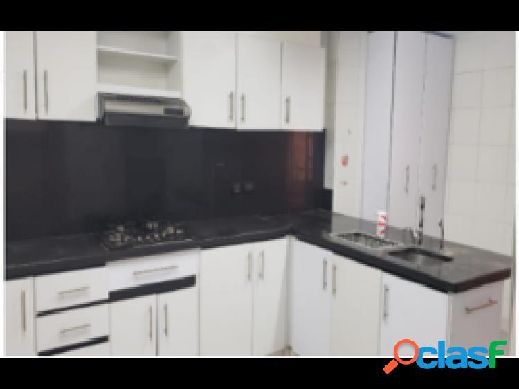 Apartamento duplex en venta, ubicado en chico navarra