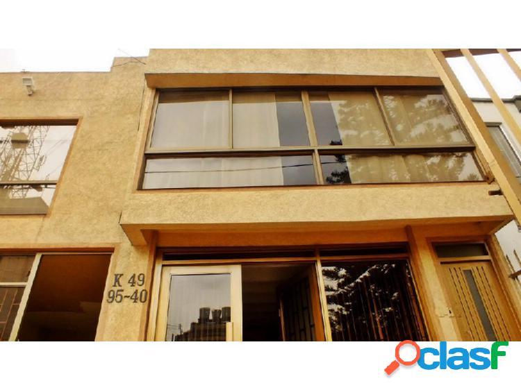 Casa la castellana (ideal: hostal,jardín infantil o geriátrico)
