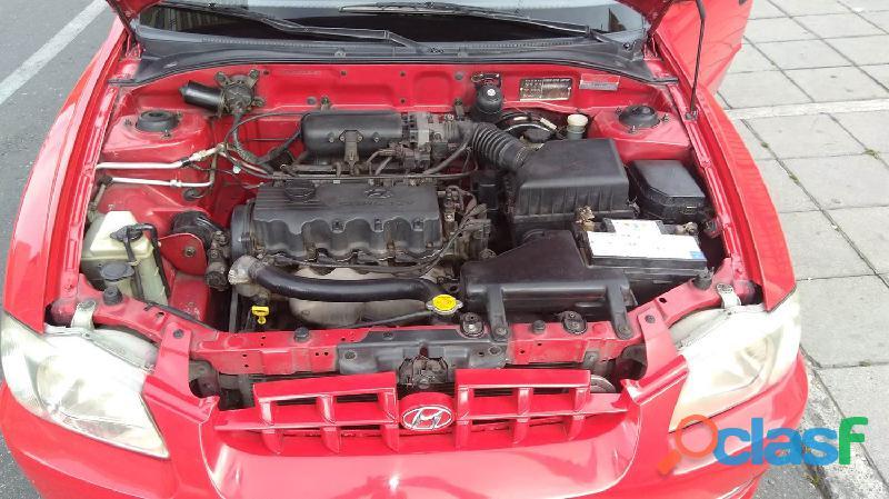 ¡En venta hermoso Hyundai Accent Placa impar color rojo!