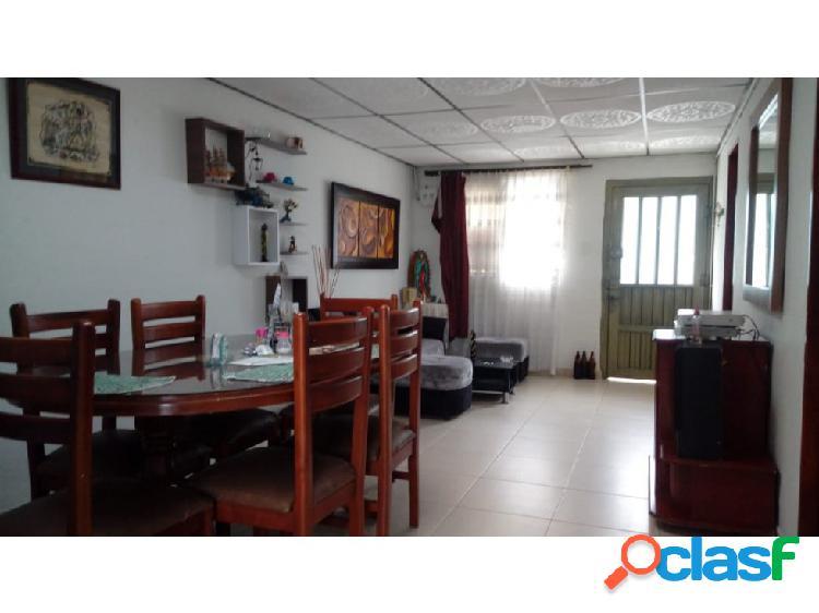 Venta casa con renta sector centenario area 165 mtr²