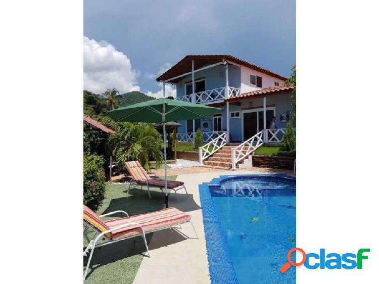 Hermosa casa de construccion nautica cerca al mar caribe