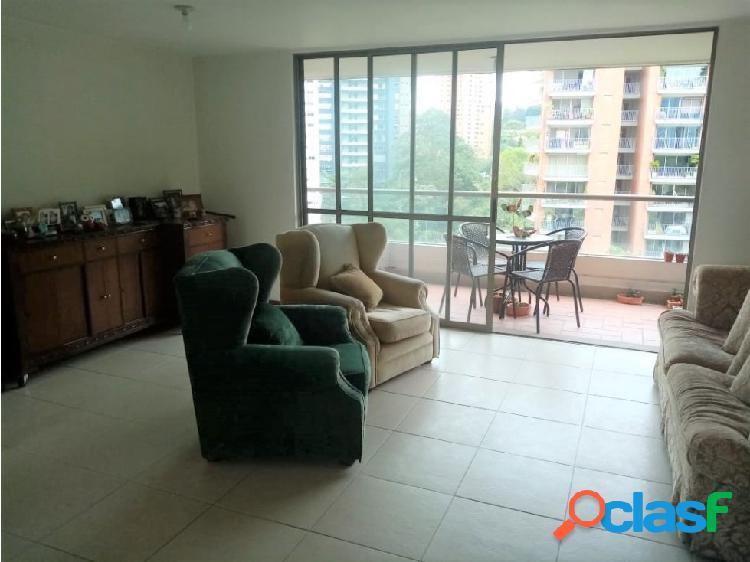 Apartamento en san lucas piso alto