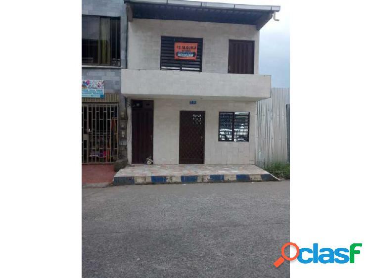 Vendo casa en buenaventura de 2 pisos barrio bellavista