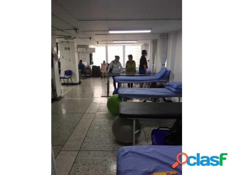 Renta de local comercial en la clinica risaralda de pereira