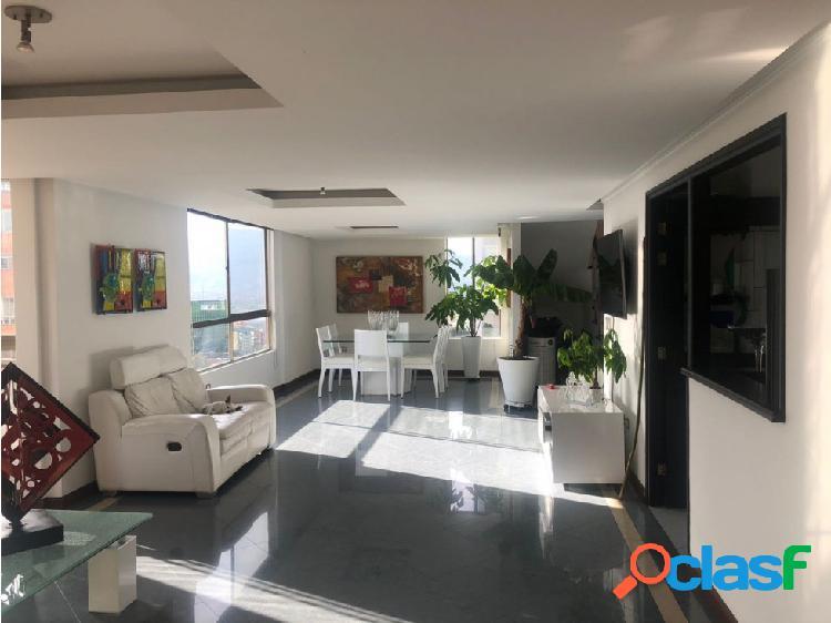 Apartamento duplex en venta en poblado, medellín