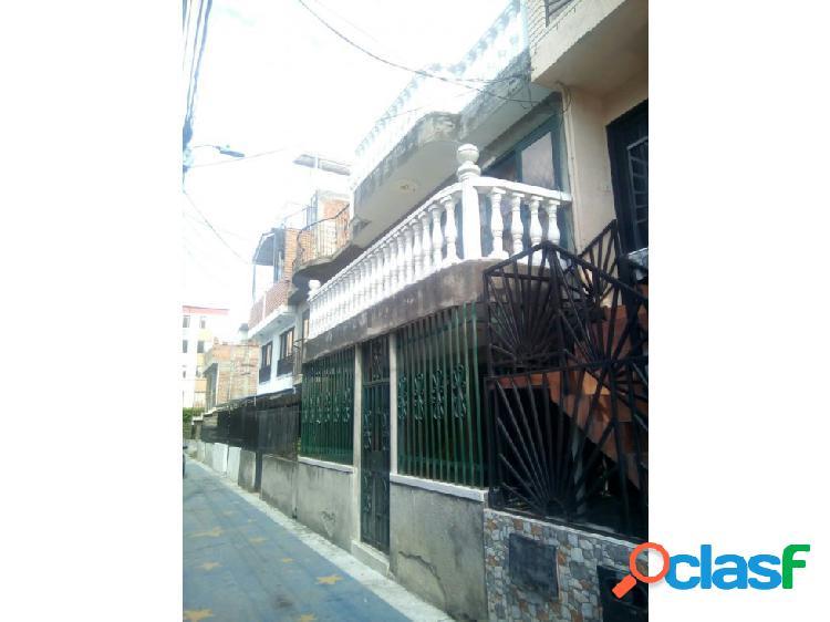 Casa en calimio norte (j.s)