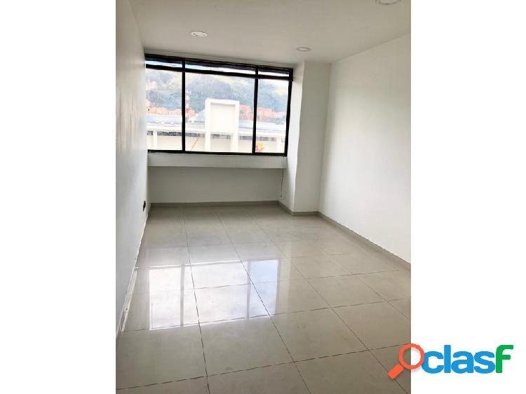 Rento oficina frente unicentro, edf jorge barón, 30 m2 remodelada