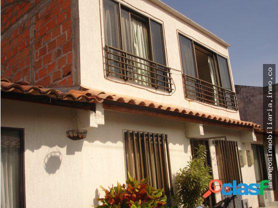 Casa en el condominio villa del roble
