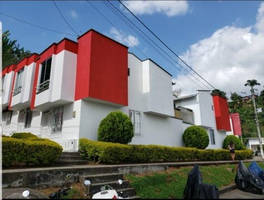 Se vende casa parque industrial como nueva