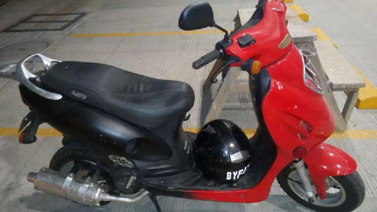 Vendo o cambio por semiautomática moto scooter um 125