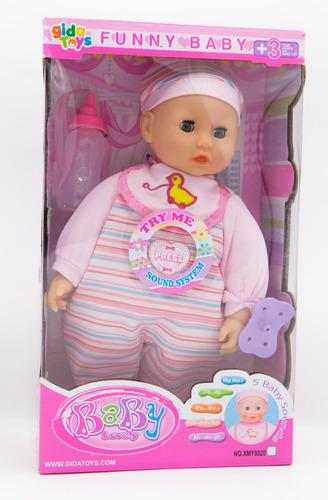 Bebé niña con luces, sonidos y accesorios
