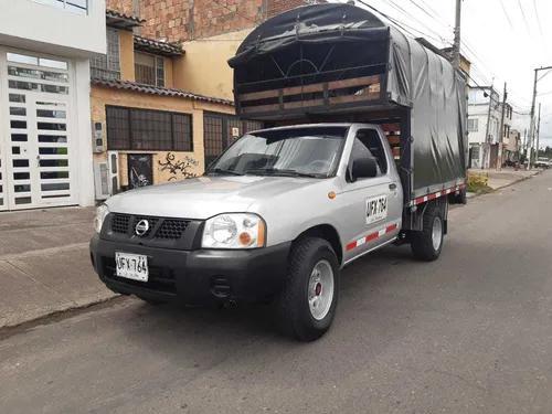 Nissan frontier 2011 4x2 estacas gasolina d22 np300 1 ton