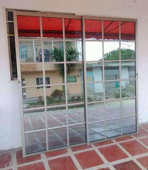 Puertas de baño .cuarto y calle en aluminio