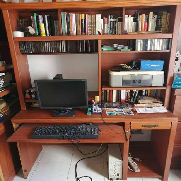 Biblioteca con centro de computo
