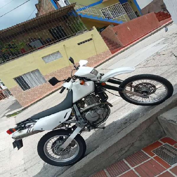 Dr 650 venezolana registrada