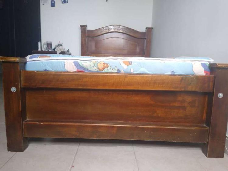 Base cama en madera 1,00x 1,90 + colchoneta + 11 tablas