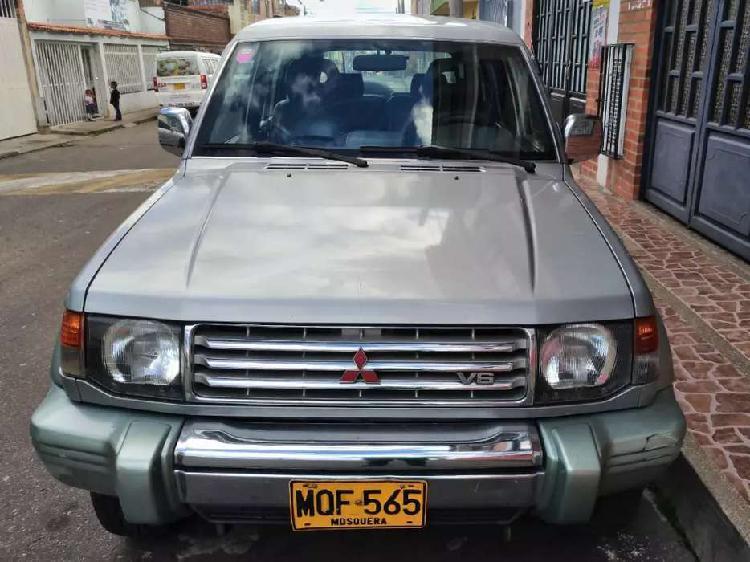 Montero mitsubishi wagon modelo 98 no permuto