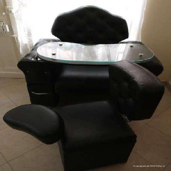 Se vende silla para pedicure y manicure nueva nunca de uso