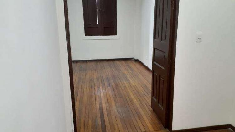 Oficina en arriendo sector centro _ código(11952)