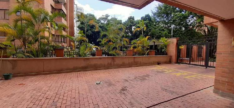 Se arrienda apartamento sector poblado milla de oro _