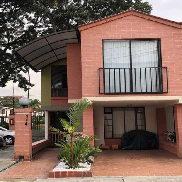 Se vende casa urbanización bilbao