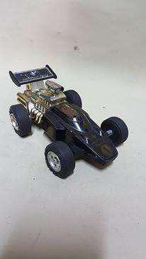 Carro de carreras antiguo de colección masuda