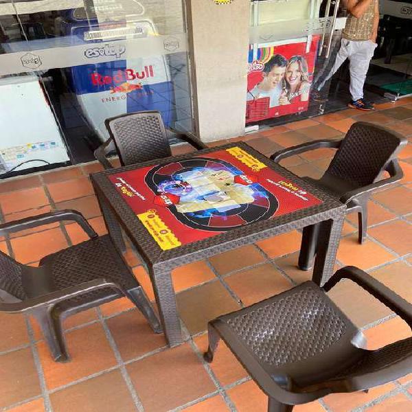 Vendo mesas y sillas rimax