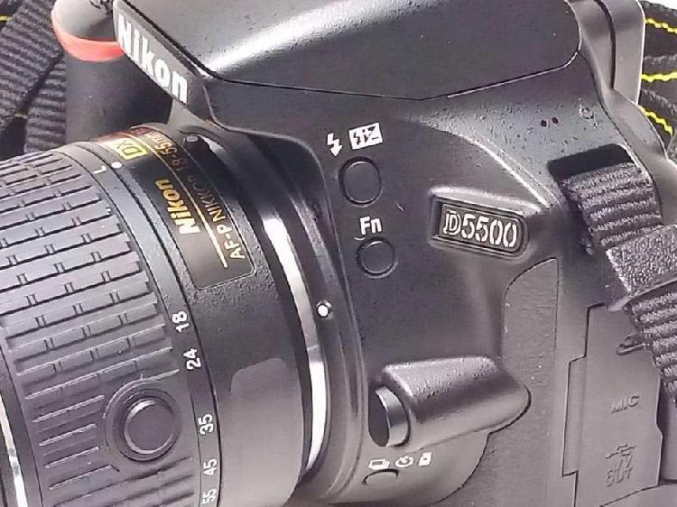 Camara nikon d5500 con lente 18-55