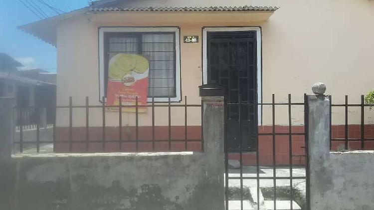 Casa esquinera en el barrio maria occidente