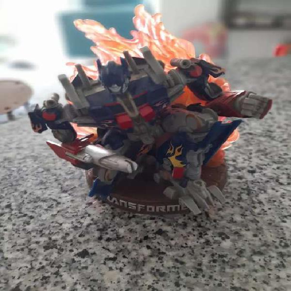 Escultura de transformer optimus prime en material mascizo