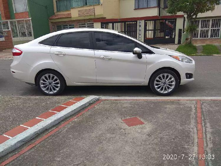 Ford fiesta titanium 2017 automático impecable