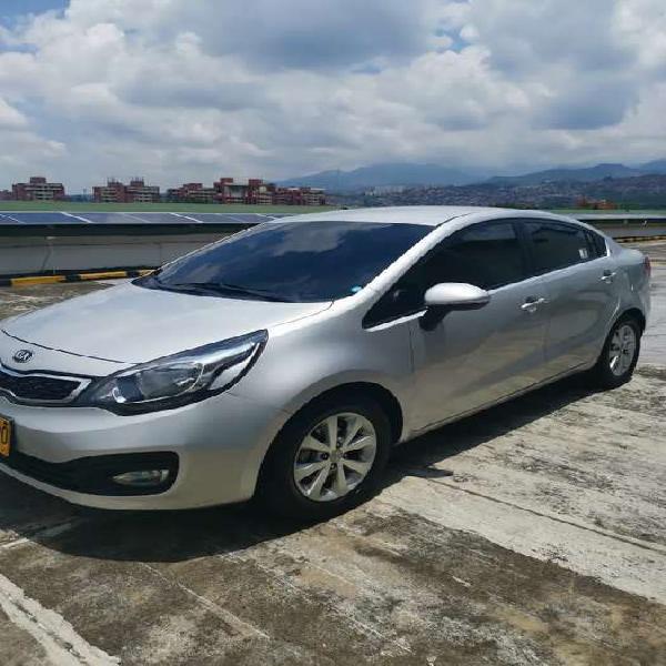 Kia rio spice 2014 sedan gris 1.25 cc único dueño perfecto