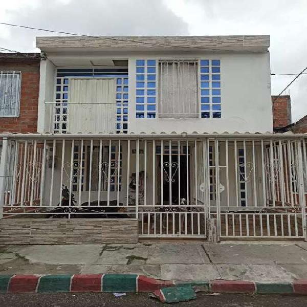 Arrendó casa segundo piso barrio sembrador