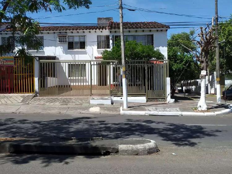 Casa esquinera barrio la gaitana sobre calle 8