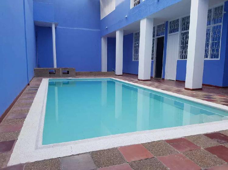 Casa vacacional con piscina