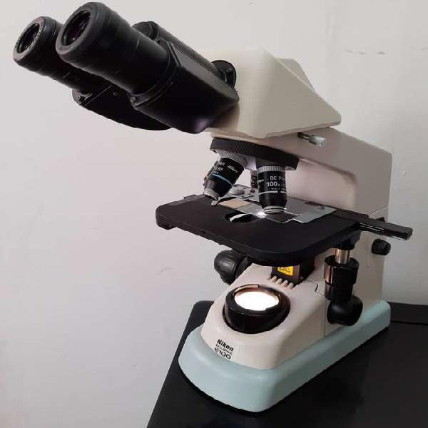 Microscopio binocular marca nikon modelo eclipse e100
