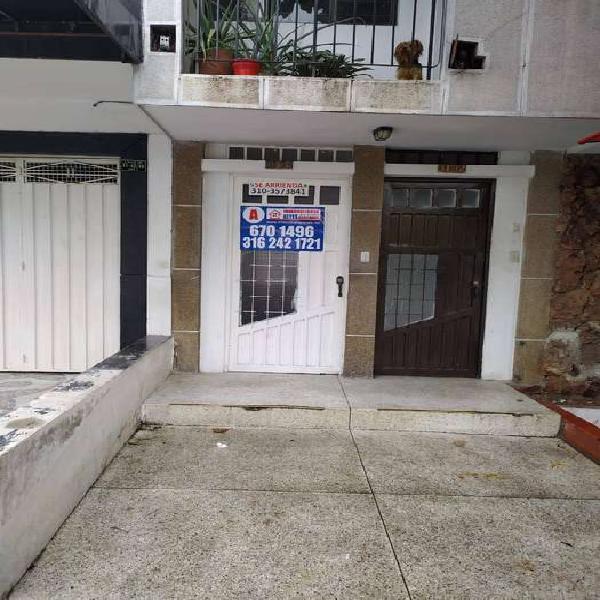Se arrienda apartamento en mejoras publicas cod-80104