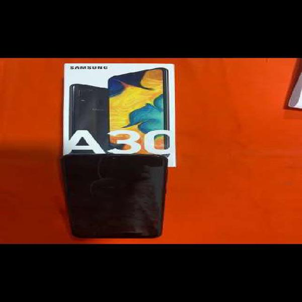 Celular samsung a30 color negro 64 gigas caja y accesorios