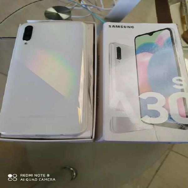 Samsung galaxi a30s como nuevo...