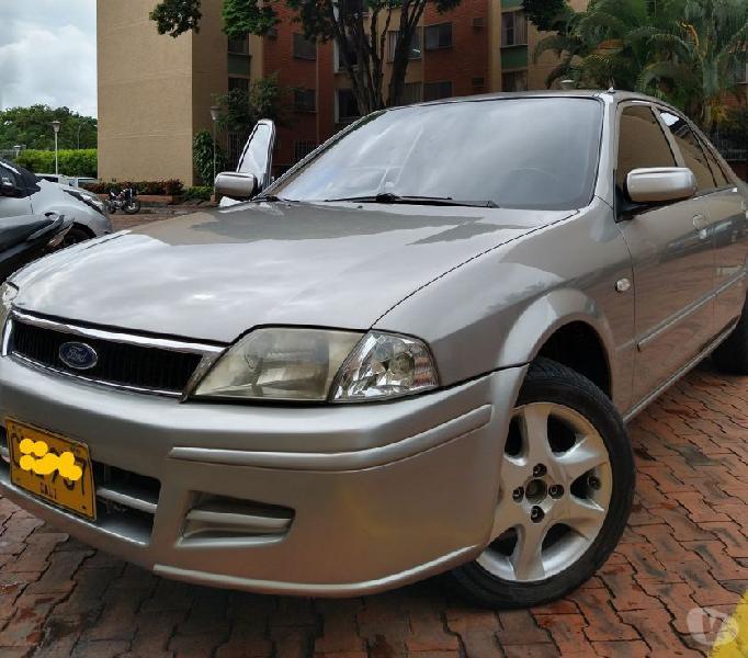 Ford láser glx 2003