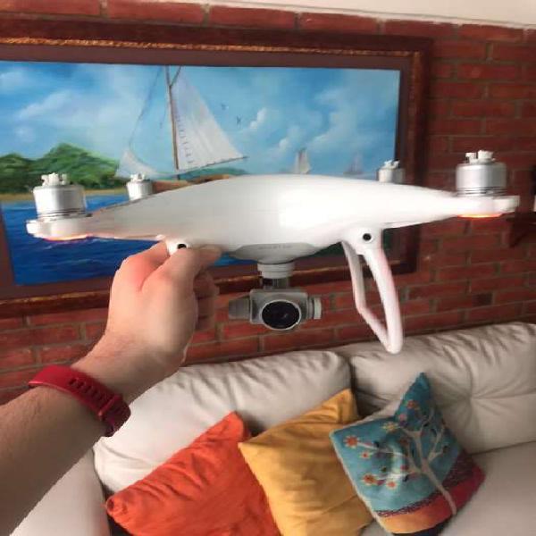Drone dji phantom 4 + bateria extra.