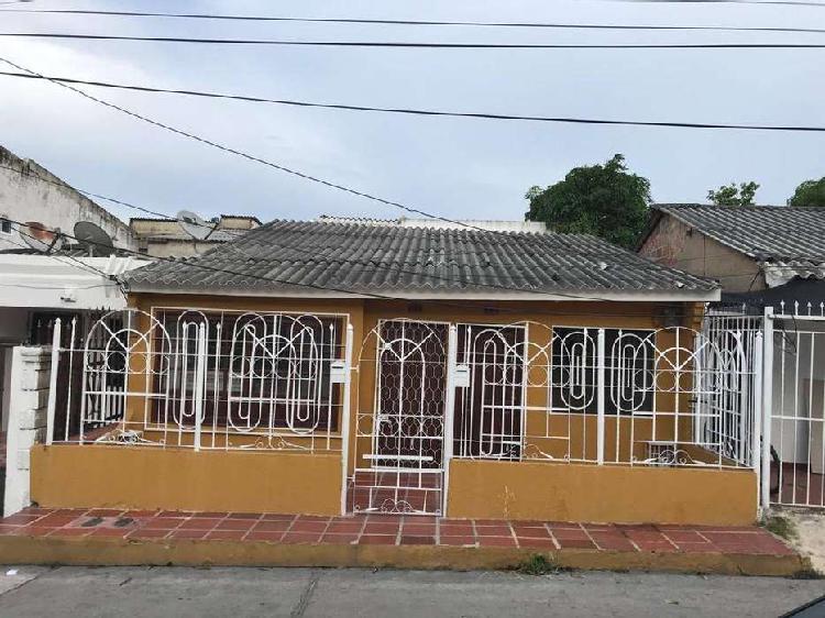 Casa en venta la ceiba. dividida en apartamento y