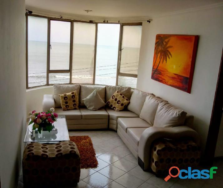 Se vende apartamento rentando frente al Mar y sede social cartagena