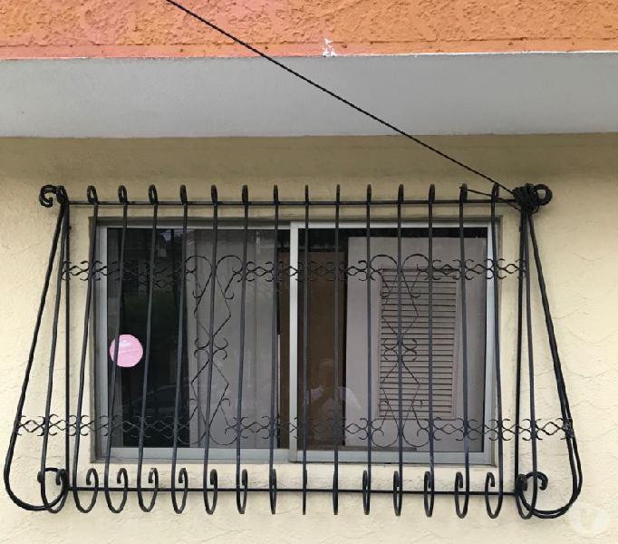 Vendo ventanas en aluminio con vidrios opacos