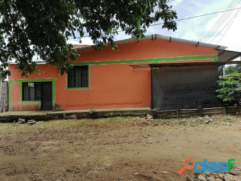 VENDO CASA ESQUINERA MUNICIPIO DE RIVERA
