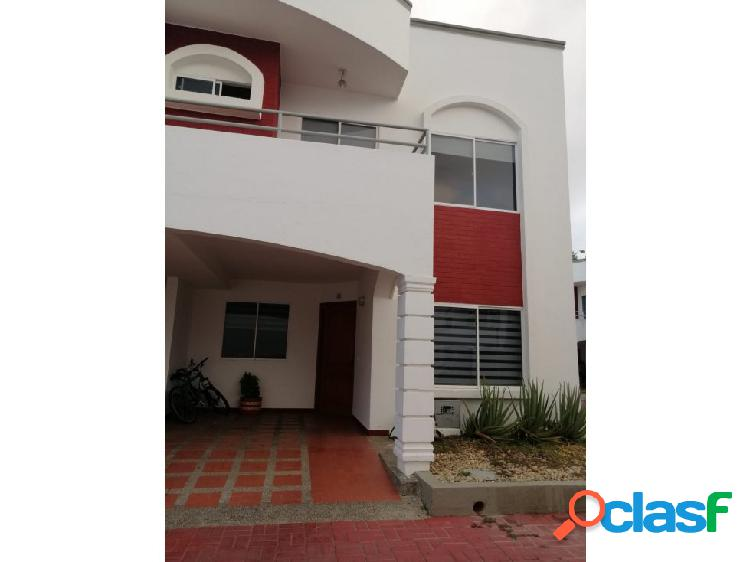 Se vende casa en el conjunto residencial balcones de la castellana