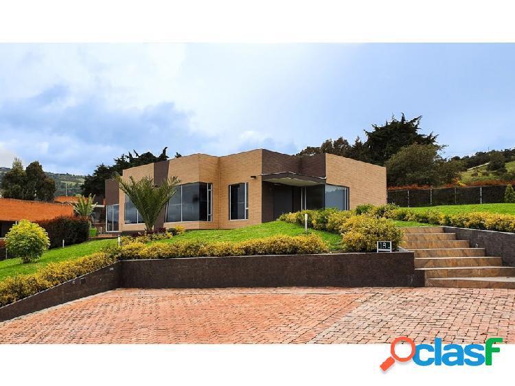 Casa campestre 2.024 m2 aposentos de yerbabuena sopó
